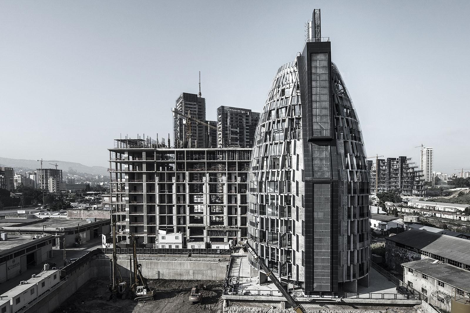 View of PLOT #4371. Architect Bernard Khoury. Photograph by IEVA SAUDARGAITE. © DW5 BERNARD KHOURY.