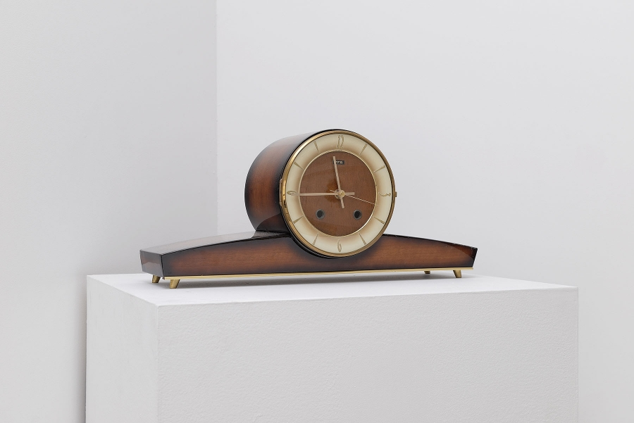 Vintage clock, random program, 2015, 55 x 12 x 20 cm.