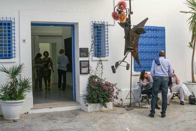 Jaou Tunis 2014, visit of Salma Feriani Galery (Sidi Bou Said). Image courtesy of Kamel Lazaar Foundation