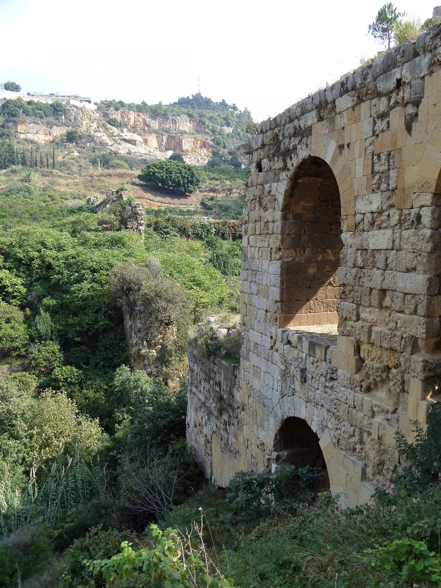 View of the Roman aqueduct, Qanater Zbaydeh. Photograph by theOtherDada, Beirut, courtesy tOD.